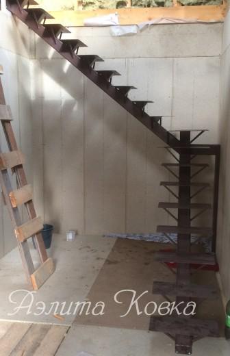 Лестница каркас на монокосоуре