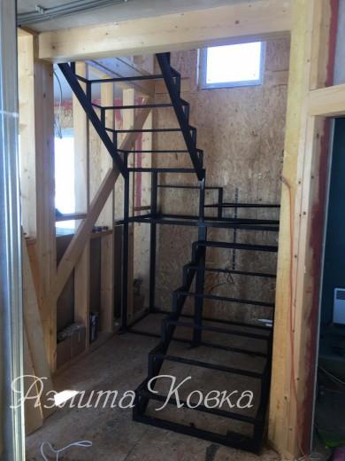 Лестница каркас под отделку