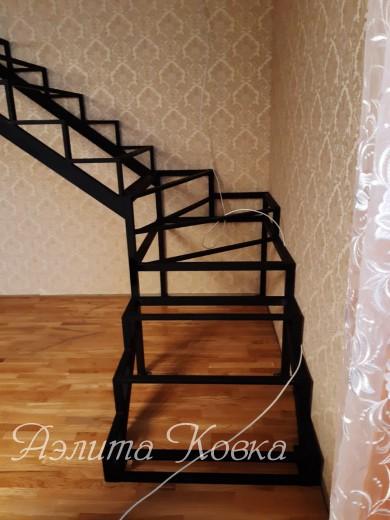 Лестница под зашивку Г-образная