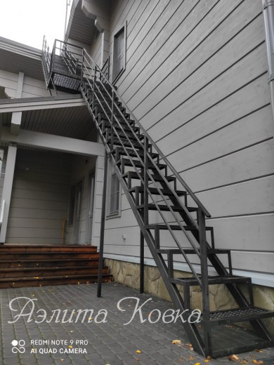 Лестница уличная с ПВЛ
