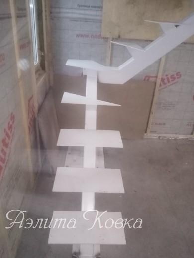 Лестница на монокосоуре на профиле 140*100 мм