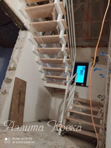 Лестница на ломаных косоурах 100*50*3 мм